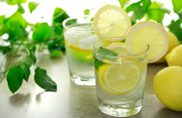 Bienfaits de l'eau citronnée